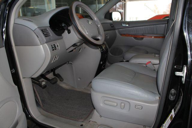 2008 Toyota Sienna XLE - REAR DVD - SUNROOF - HEATED LEATHER! Mooresville , NC 31