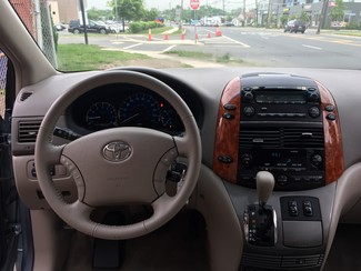 2008 Toyota Sienna XLE  AWD   One Owner Clean Carfax New Brunswick, New Jersey 18