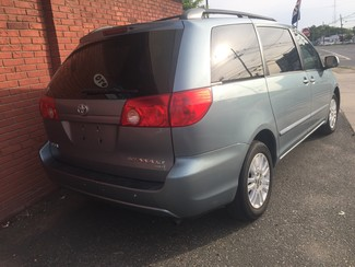 2008 Toyota Sienna XLE  AWD   One Owner Clean Carfax New Brunswick, New Jersey 6