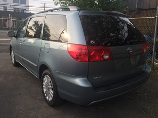 2008 Toyota Sienna XLE  AWD   One Owner Clean Carfax New Brunswick, New Jersey 9