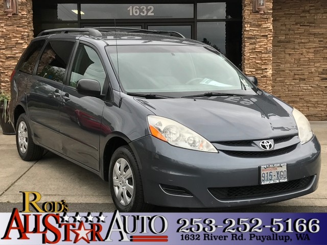 2008 Toyota Sienna LE Enjoy MP3s with this built-in CDMP3stereo systemBuilt-in Satellite Radio