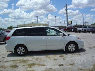 2008 Toyota Sienna XLE Limited FWD San Antonio, Texas 4
