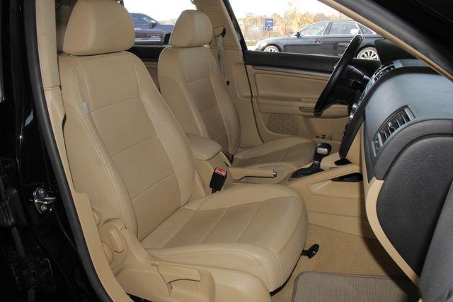 2008 Volkswagen Jetta SEL - SUNROOF - HEATED LEATHER! Mooresville , NC 13