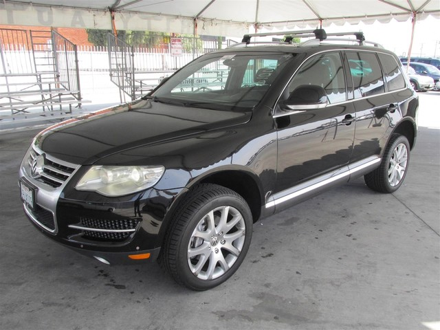 2008 Volkswagen Touareg 2 V8 Please call or e-mail to check availability All of our vehicles ar