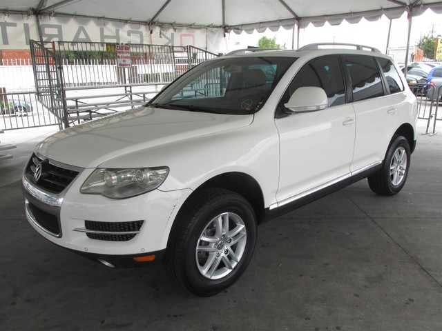 2008 Volkswagen Touareg 2 V6 Please call or e-mail to check availability All of our vehicles ar