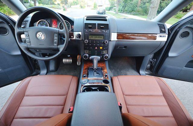 2008 Volkswagen Touareg 2 V8 Reseda, CA 1