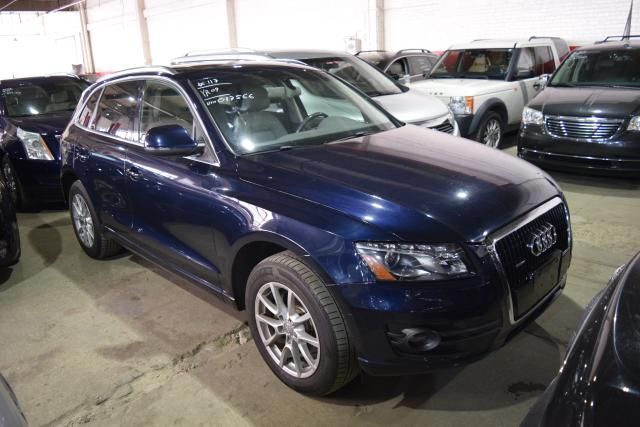 2009 Audi Q5 Premium Plus Richmond Hill, New York 1