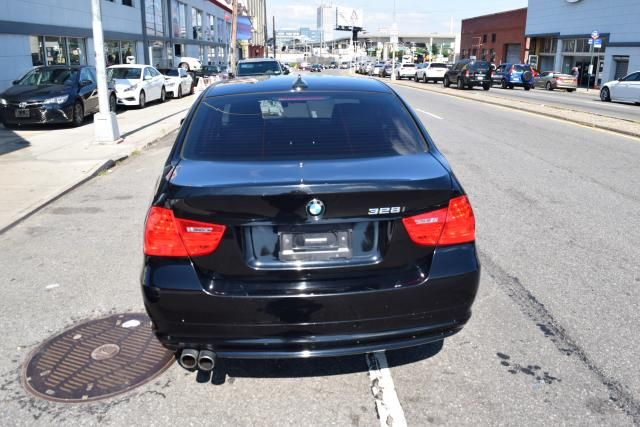 2009 BMW 328i 4dr Sdn 328i RWD SULEV Richmond Hill, New York 3