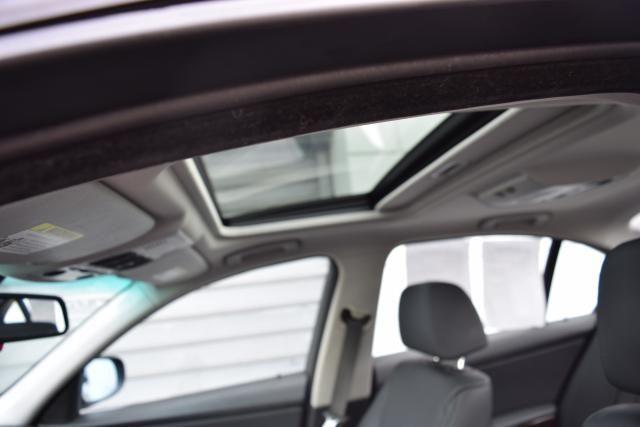 2009 BMW 328i 4dr Sdn 328i RWD SULEV South Africa Richmond Hill, New York 7