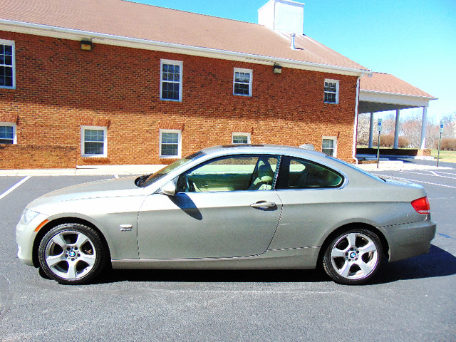 2009 BMW 328i xDrive 6-SPEED MANUAL Leesburg, Virginia 4