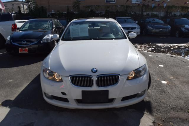 2009 BMW 328i xDrive 2dr Cpe 328i xDrive AWD SULEV Richmond Hill, New York 2