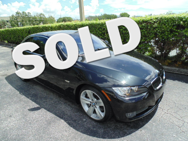 2009 BMW 335i CONVERTIBLE This 2009 BMW 335I Convertible TWIN TURBO is a non-smoker Florida car a