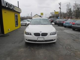 2009 BMW 528i Saint Ann, MO 1