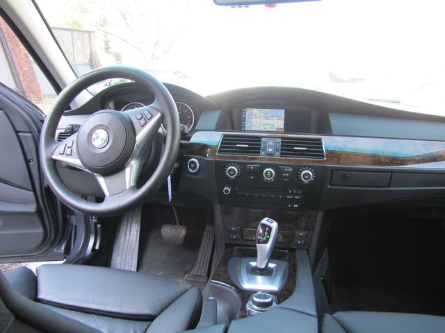 2009 BMW 528i xDrive St. Louis, Missouri 7