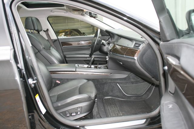 2009 BMW 750Li Houston, Texas 17