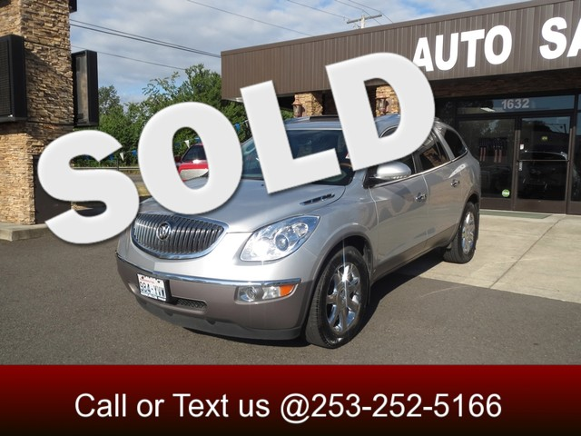 2009 Buick Enclave CXL AWD Leather - Sunroof - Back Up Camera - Navigation - This Enclave is a