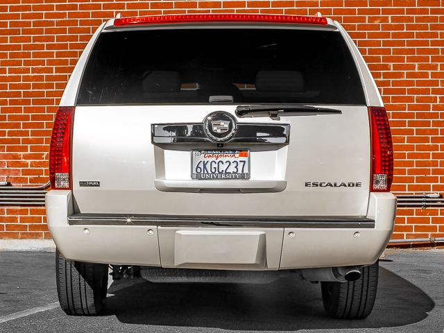 2009 Cadillac Escalade Burbank, CA 3