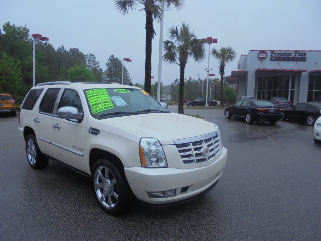 2009 Cadillac Escalade DISCLOSURE Internet pricing is subject to change daily It is a BUY-OUTRIG