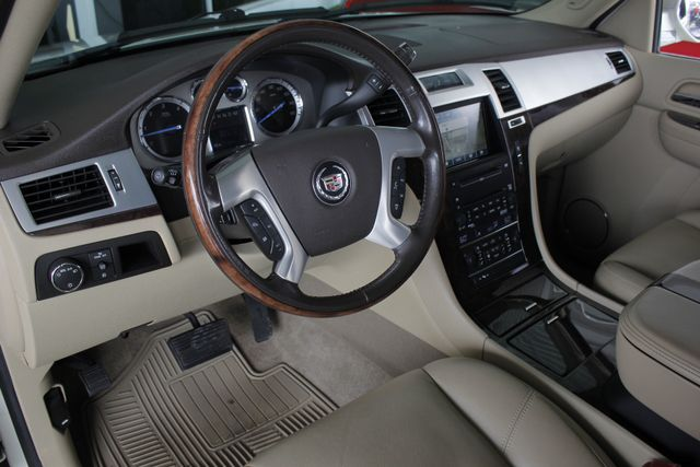 2009 Cadillac Escalade ESV AWD ULTRA LUXURY EDITION W/NAV-DUAL DVDS-SUNROOF! Mooresville , NC 31