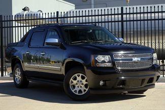 2009 Chevrolet Avalanche LTZ* Sunroof* Nav* BU Cam* EZ Finance** | Plano, TX | Carrick's Autos in Plano TX