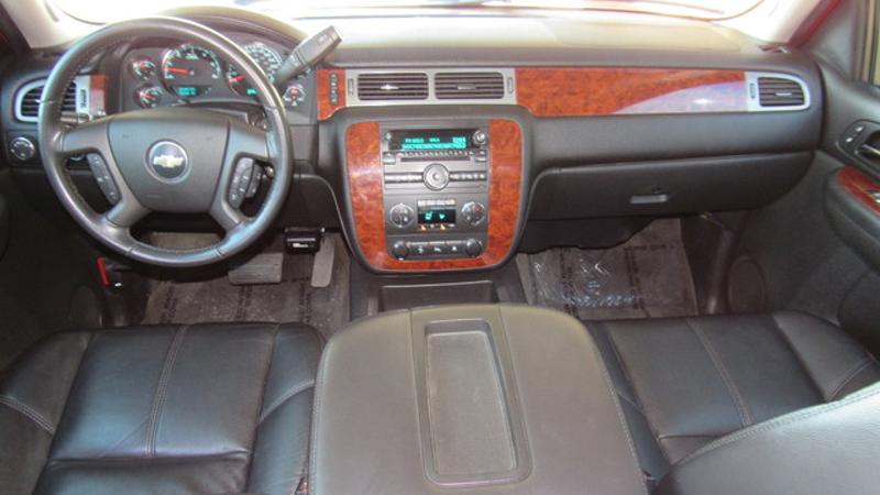 2009 Chevrolet Avalanche LT 2LT 4x4  St Charles Missouri  Schroeder Motors  in St. Charles, Missouri