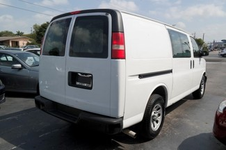 2009 Chevrolet Express Cargo Van Hialeah, Florida 3