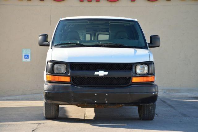 2009 Chevrolet Express Cargo Van 1500 Cargo San Antonio , Texas 3