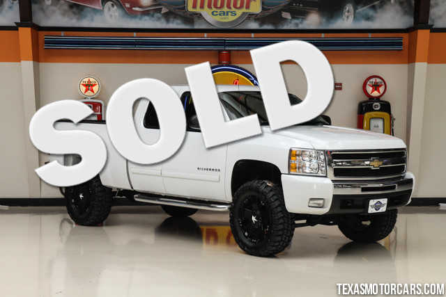 2009 Chevrolet Silverado 1500 LT Financing is available with rates as low as 29 wac Get pre-ap