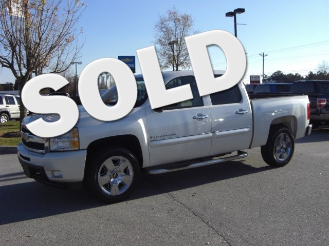 2009 Chevrolet Silverado 1500 LTZ SUPER SHARP VEHICLE CLEAN INSIDE AND OUT HARD TO FIND LOW MIL