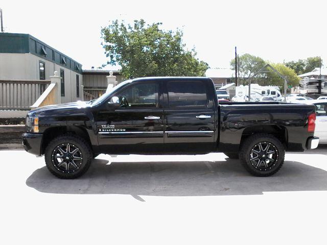 2009 Chevrolet Silverado 1500 1LT and more San Antonio, Texas 1