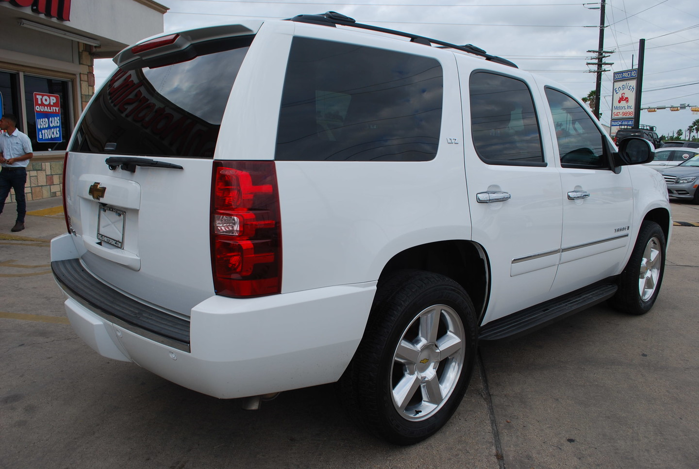 2009 chevrolet tahoe ltz brownsville tx english motors. Black Bedroom Furniture Sets. Home Design Ideas