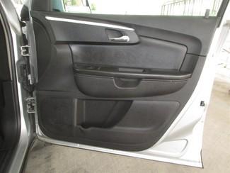 2009 Chevrolet Traverse LT w/2LT Gardena, California 13