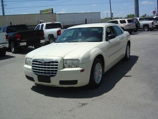 2009 Chrysler 300 LX San Antonio, Texas 1