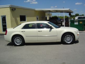 2009 Chrysler 300 LX San Antonio, Texas 4
