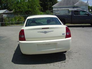 2009 Chrysler 300 LX San Antonio, Texas 6