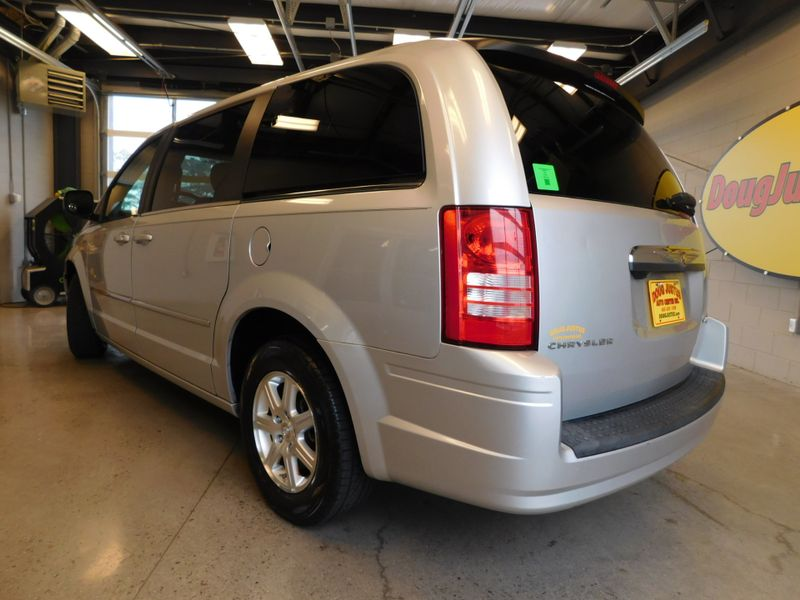 2009 Chrysler Town  Country Touring  city TN  Doug Justus Auto Center Inc  in Airport Motor Mile ( Metro Knoxville ), TN