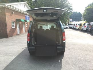 2009 Chrysler Town & Country Touring Handicap Wheelchair Accessible Van Dallas, Georgia 3