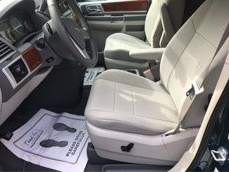 2009 Chrysler Town & Country Touring Handicap Wheelchair Accessible Van Dallas, Georgia 10