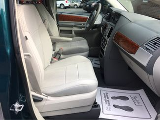 2009 Chrysler Town & Country Touring Handicap Wheelchair Accessible Van Dallas, Georgia 23