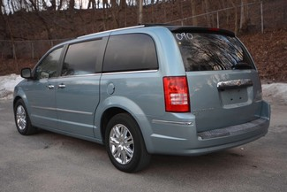 2009 Chrysler Town & Country Limited Naugatuck, Connecticut 2