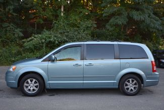 2009 Chrysler Town & Country Touring Naugatuck, Connecticut 1