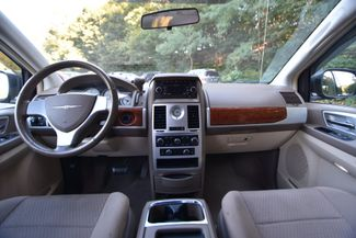 2009 Chrysler Town & Country Touring Naugatuck, Connecticut 15