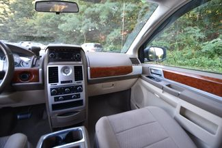 2009 Chrysler Town & Country Touring Naugatuck, Connecticut 16