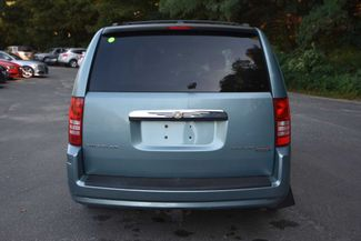 2009 Chrysler Town & Country Touring Naugatuck, Connecticut 3