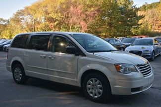 2009 Chrysler Town & Country LX Naugatuck, Connecticut 5