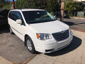 2009 Chrysler Town & Country Touring New Rochelle, New York