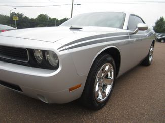 2009 Dodge Challenger SE Batesville, Mississippi 9