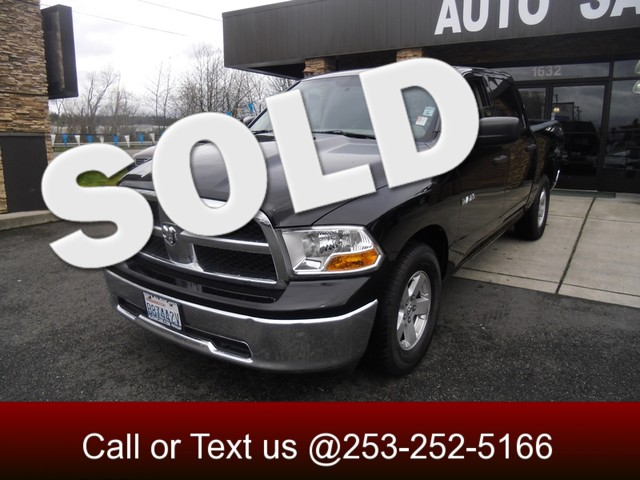 2009 Dodge Ram 1500 SLT Only 50k miles Clean ONE OWNER no accident Carfax Crew cab means theres