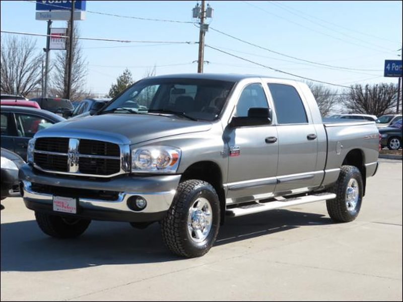 2009 Dodge Ram 2500 SLT Mega Cab 4WD Like New Condition In and Out in Ankeny IA