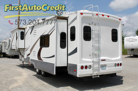 2009 Fleetwood Regal 365TSSA | Jackson , MO | First Auto Credit in Jackson , MO